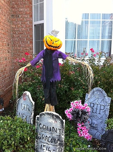 Halloween Scarecrow from a craft scarecrow, how to make a halloween scarecrow
