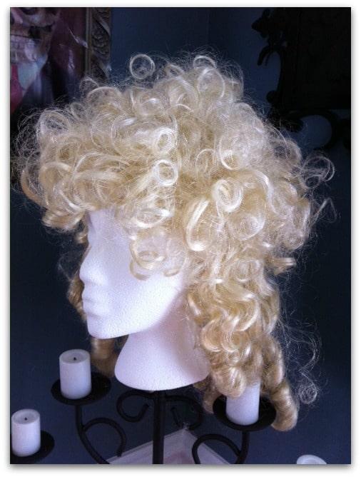 Spray Paint Wig White 11