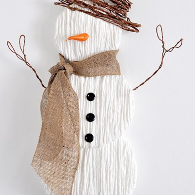 Cute Yarn Snowman Wall Art