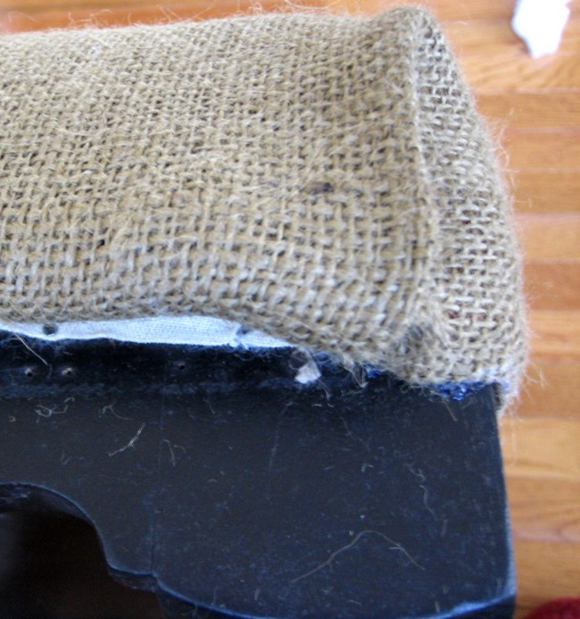 Fold and glue burlap corner
