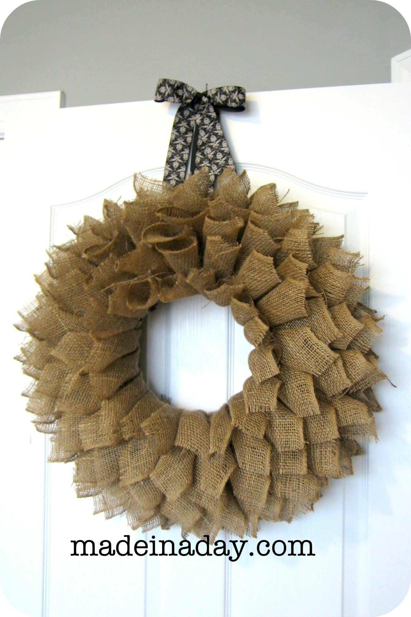 Burlap wreath made in a day for What to make with burlap