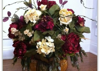 Rose & Hydrangea Arrangement 15