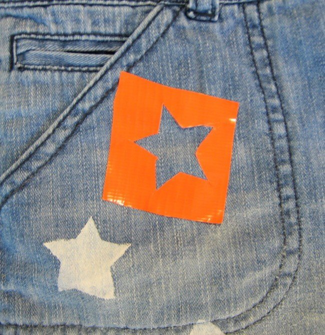 make a star stencil with duck tape