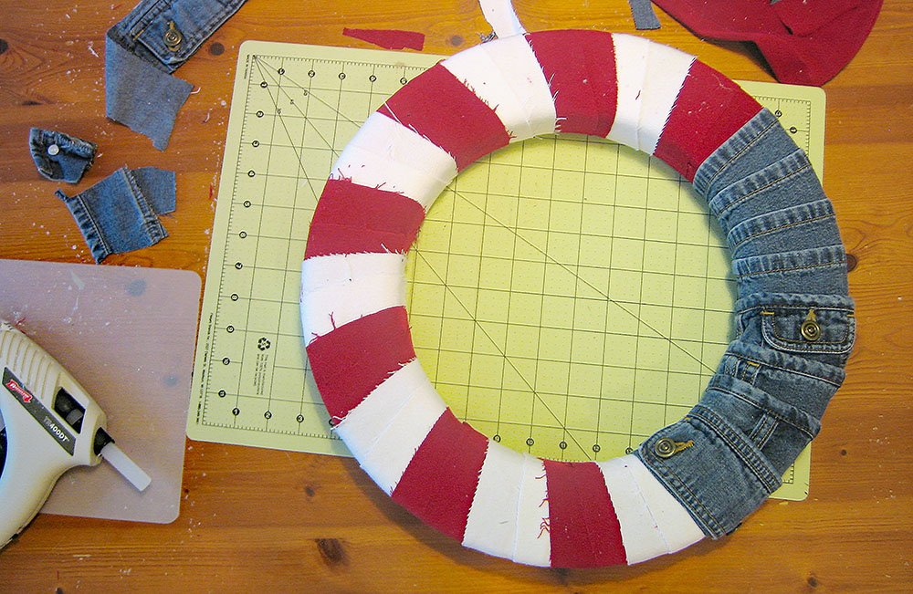 denim jeans wreath, DIY flag wreath, red white blue wreath,