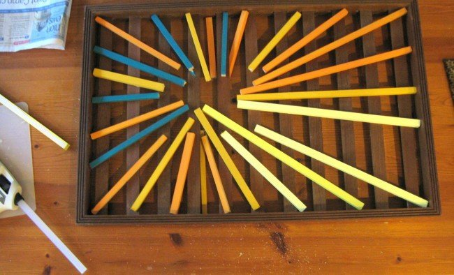 Lay dowels out for sunburst