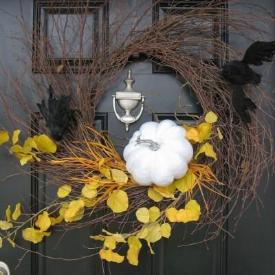 Haunting Halloween Bat Spooky Wispy Wreath