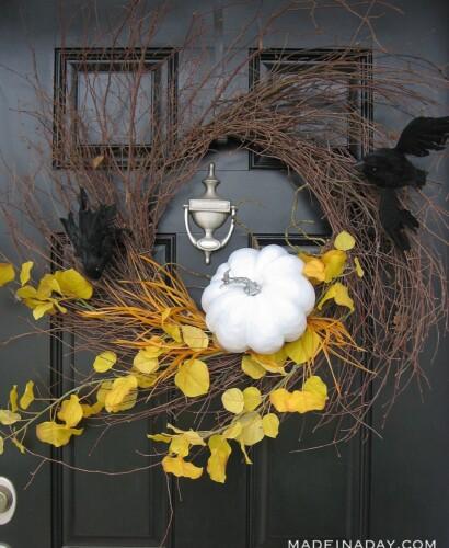 Haunting Halloween Bat Spooky Wispy Wreath 36