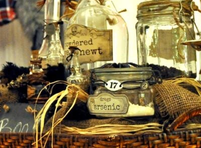 Deadly Witches Brew Pick Your Potion Centerpiece