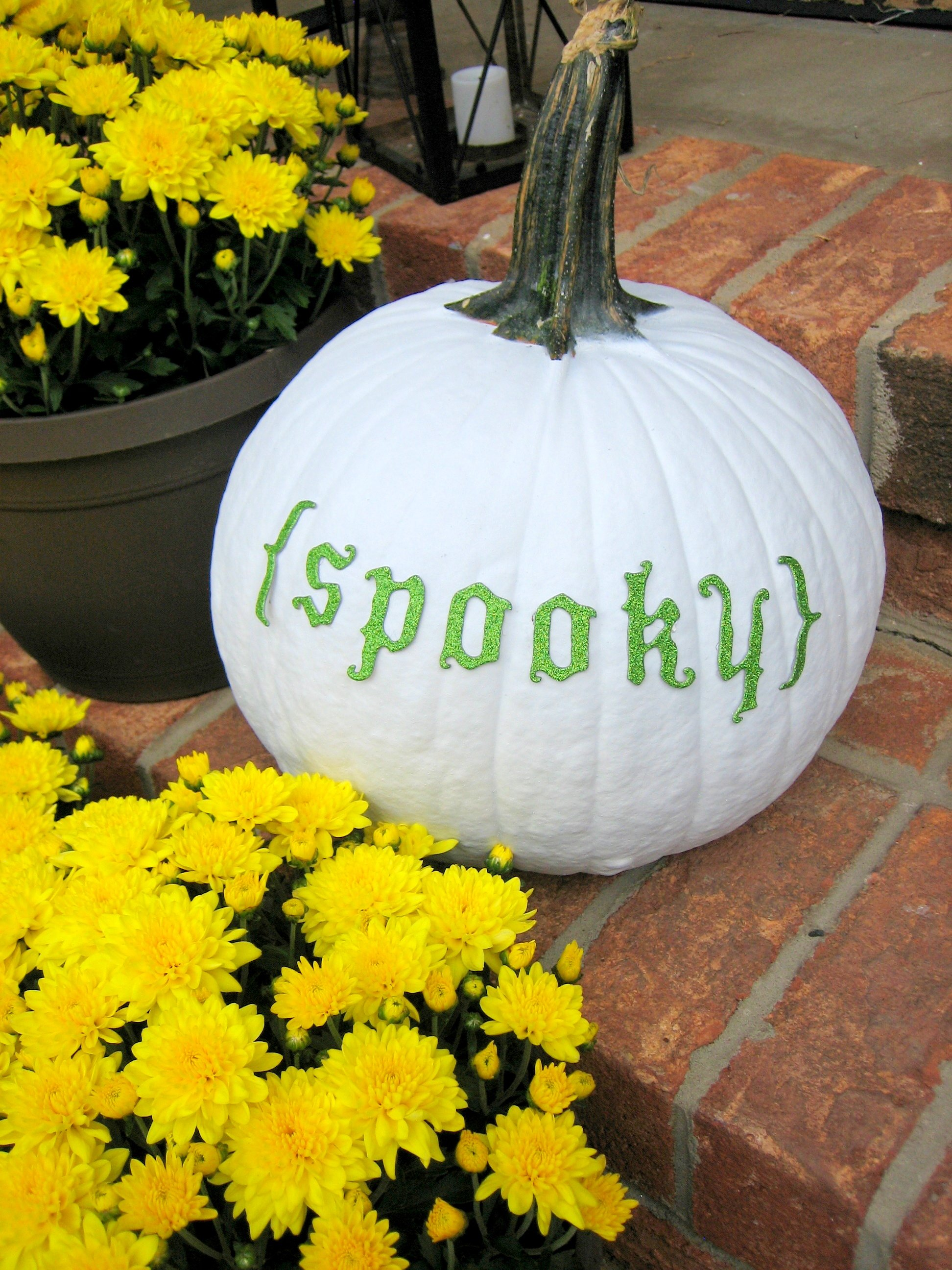 spray-painted-real-pumpkin-madeinaday-com