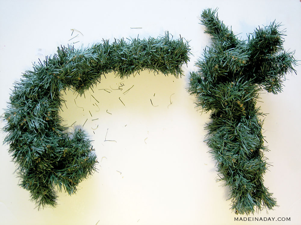 shape a wreath into letters