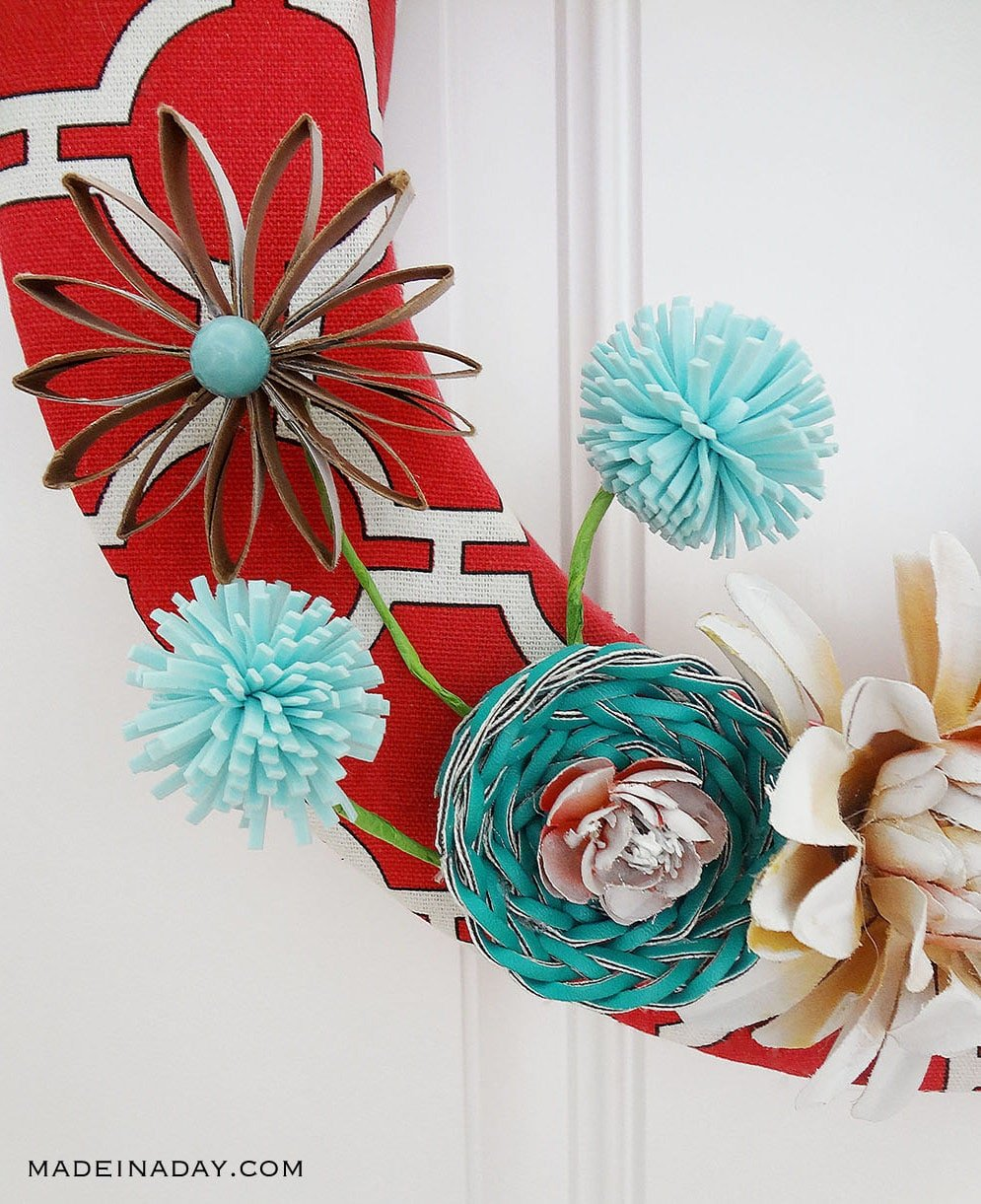 Red Canvas Spring Wreath 16