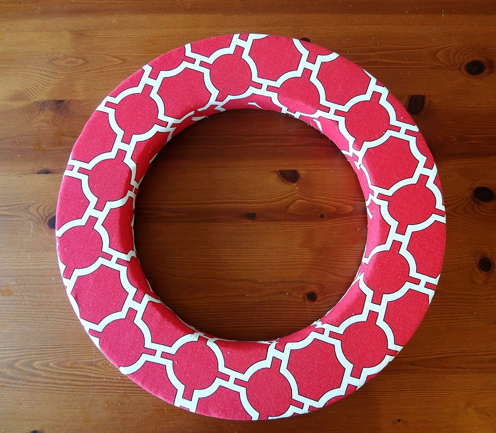 Red Canvas Spring Wreath 9