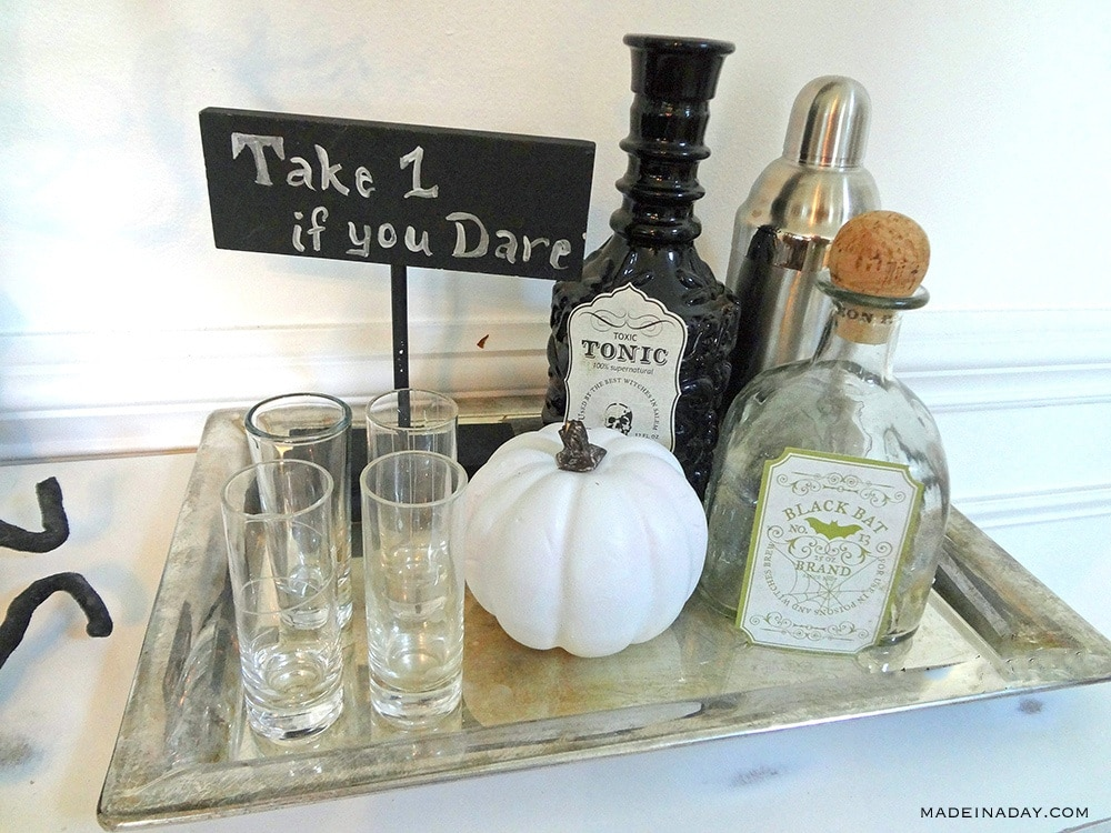 Halloween Bar vignette,