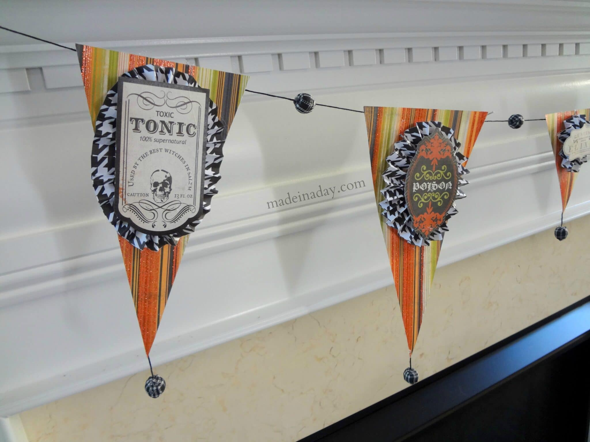 Halloween Potion Garland