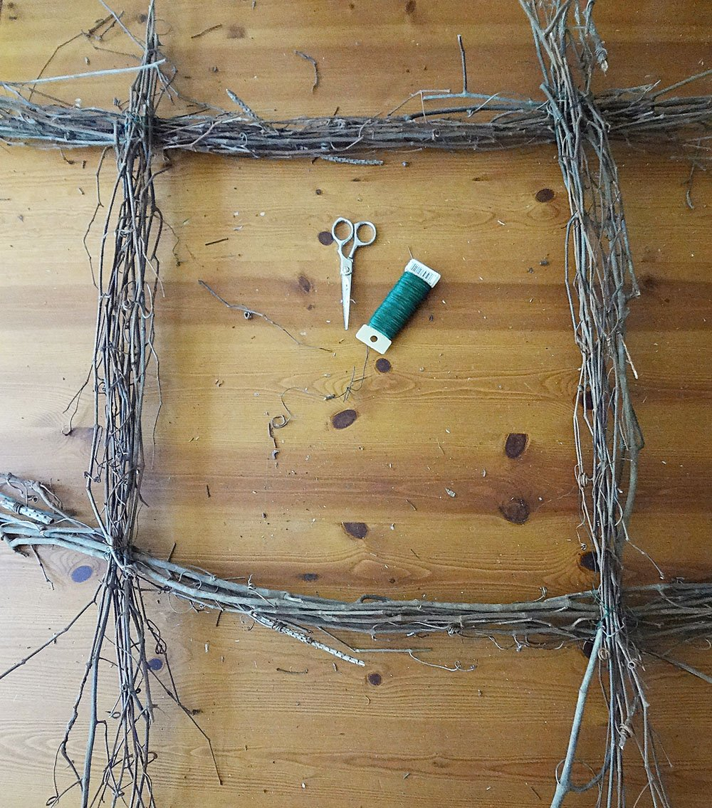 how to make a square wreath with twigs