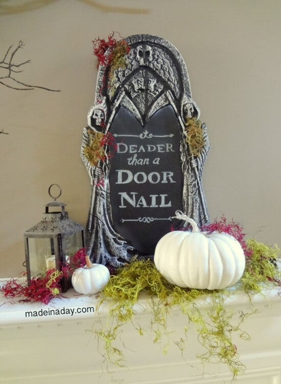 Creepy DIY Halloween Chalkboard Tombstone 31