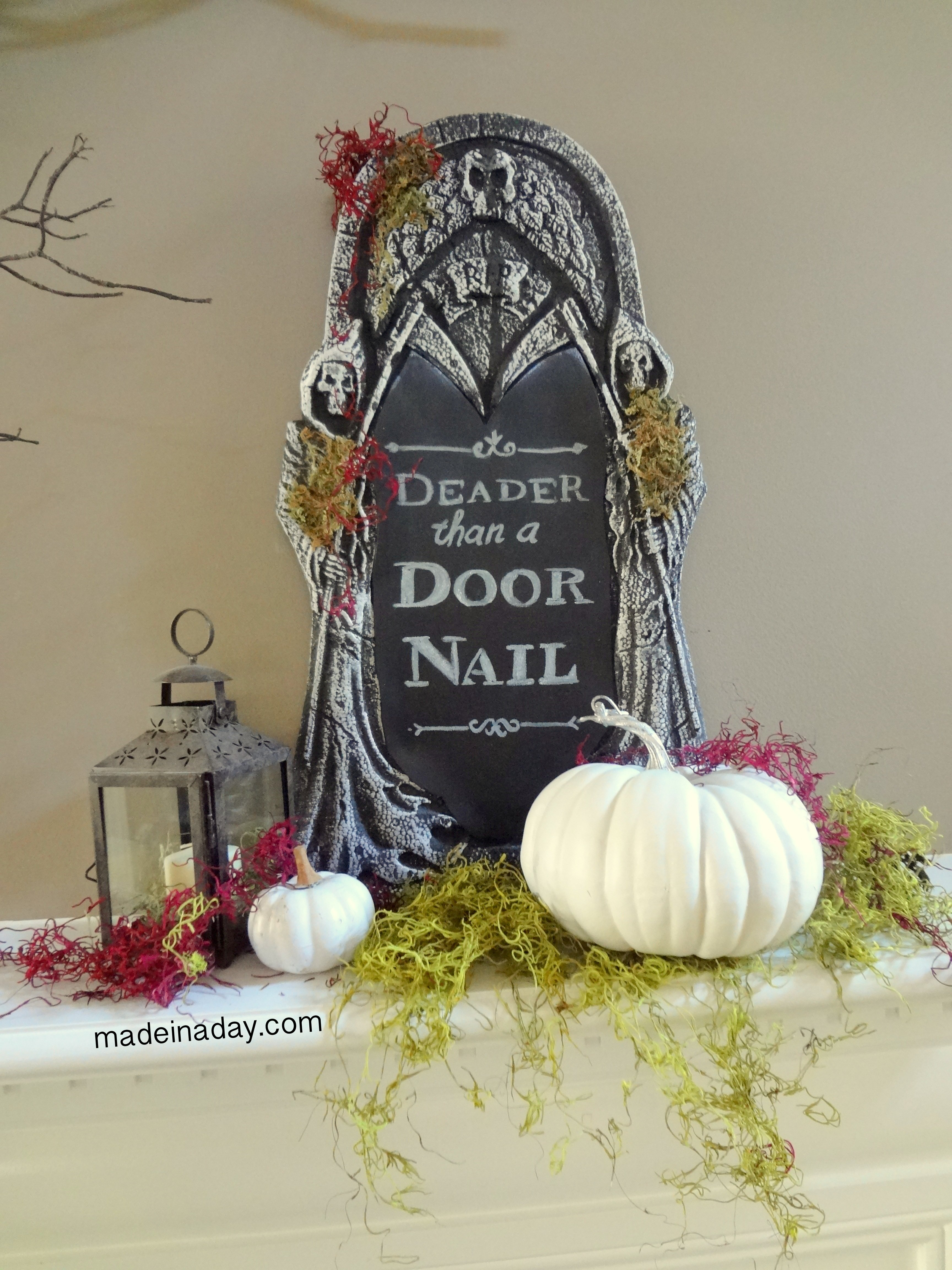 Creepy DIY Halloween Chalkboard Tombstone