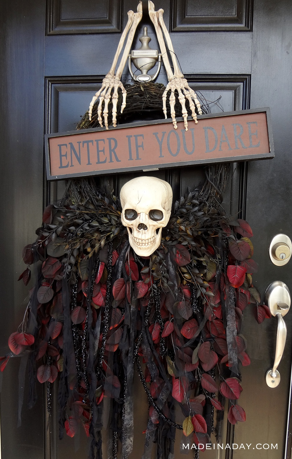 DIY Halloween Gothic Skeleton Skull Wreath