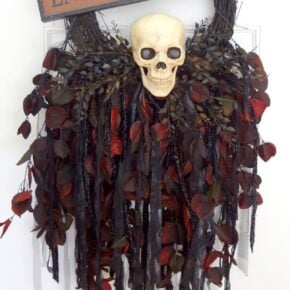 Breathtaking Creepy Skeleton Skull Wreath 29