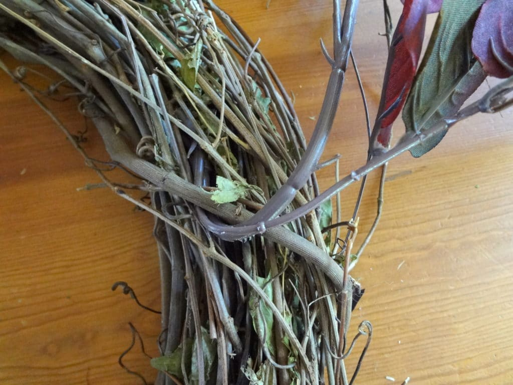 hook-bent-limgs-into-wreath
