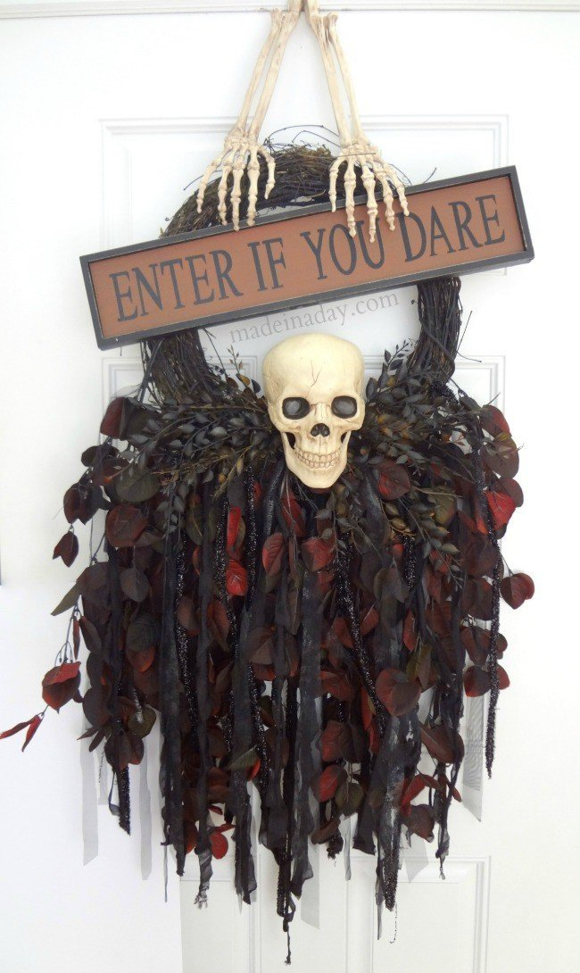 Halloween Skeleton Skull Wreath, Enter if You Dare Sign Wreath, Skeleton Wreath