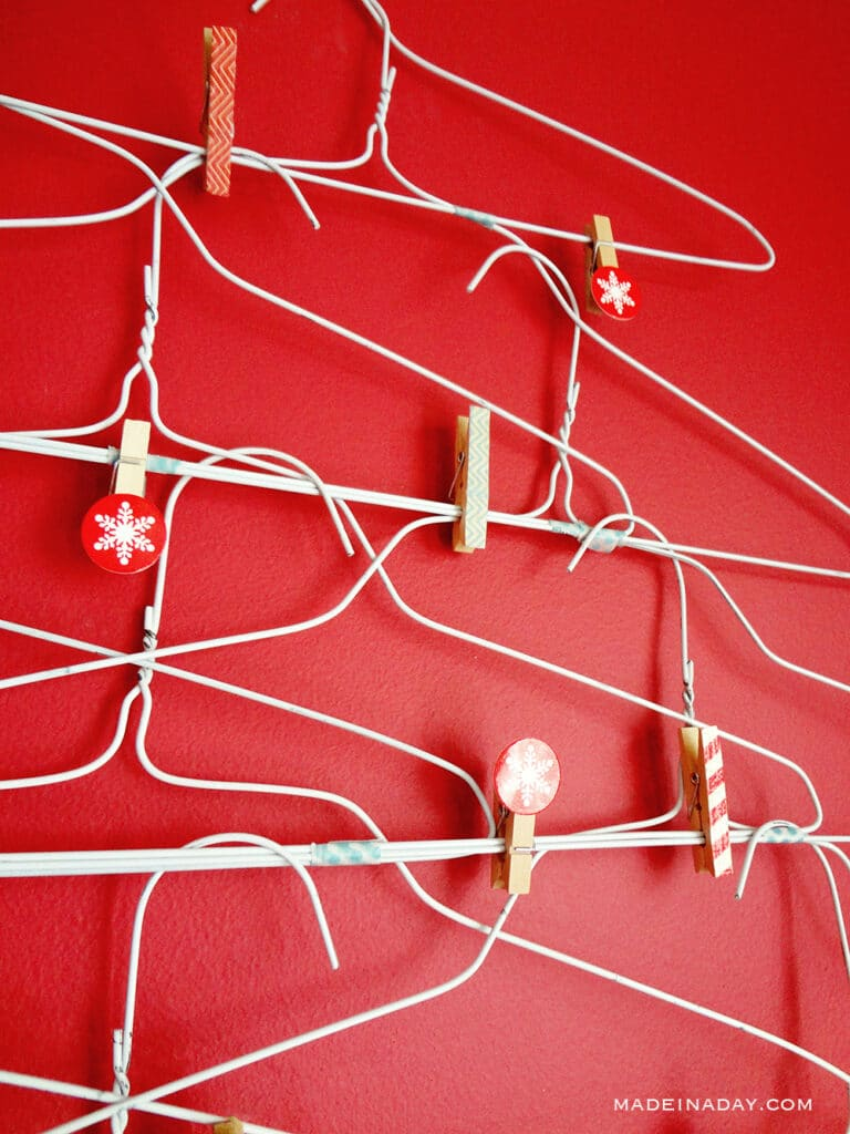DIY wire hanger chirstmas tree
