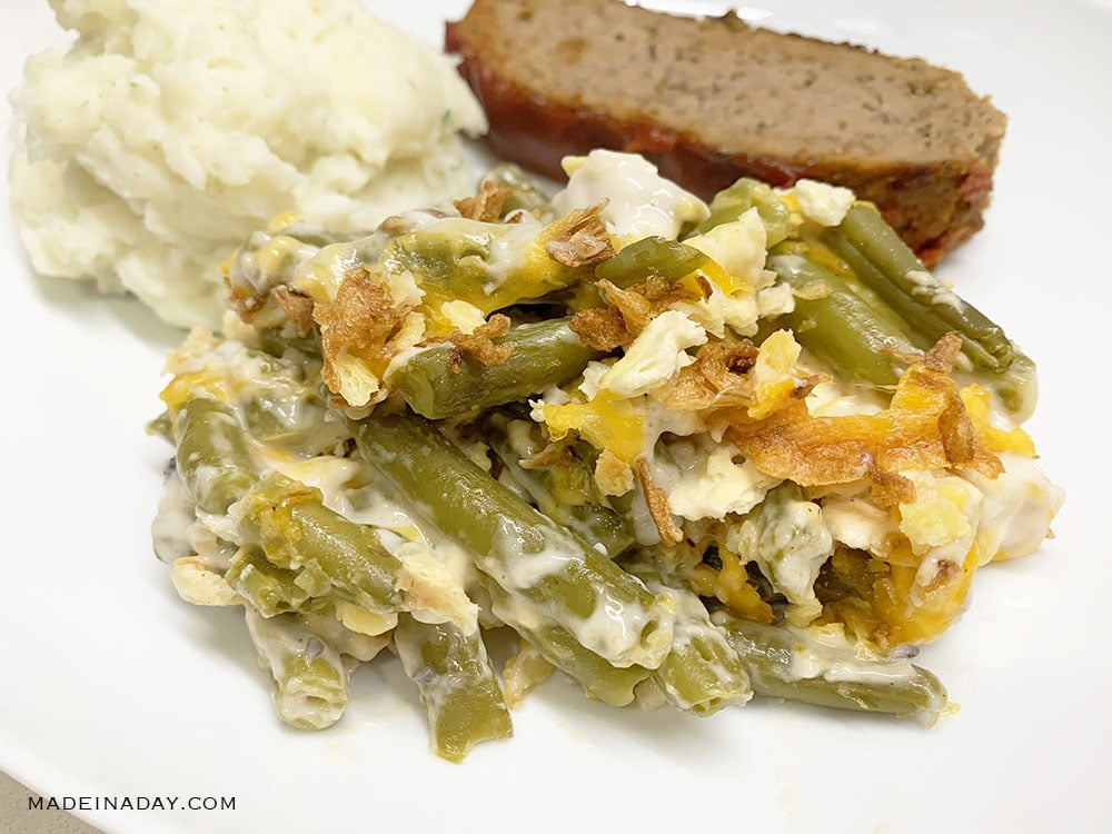 Cheese and Cracker Green Bean Casserole, green bean casserole, cheesy green bean casserole,