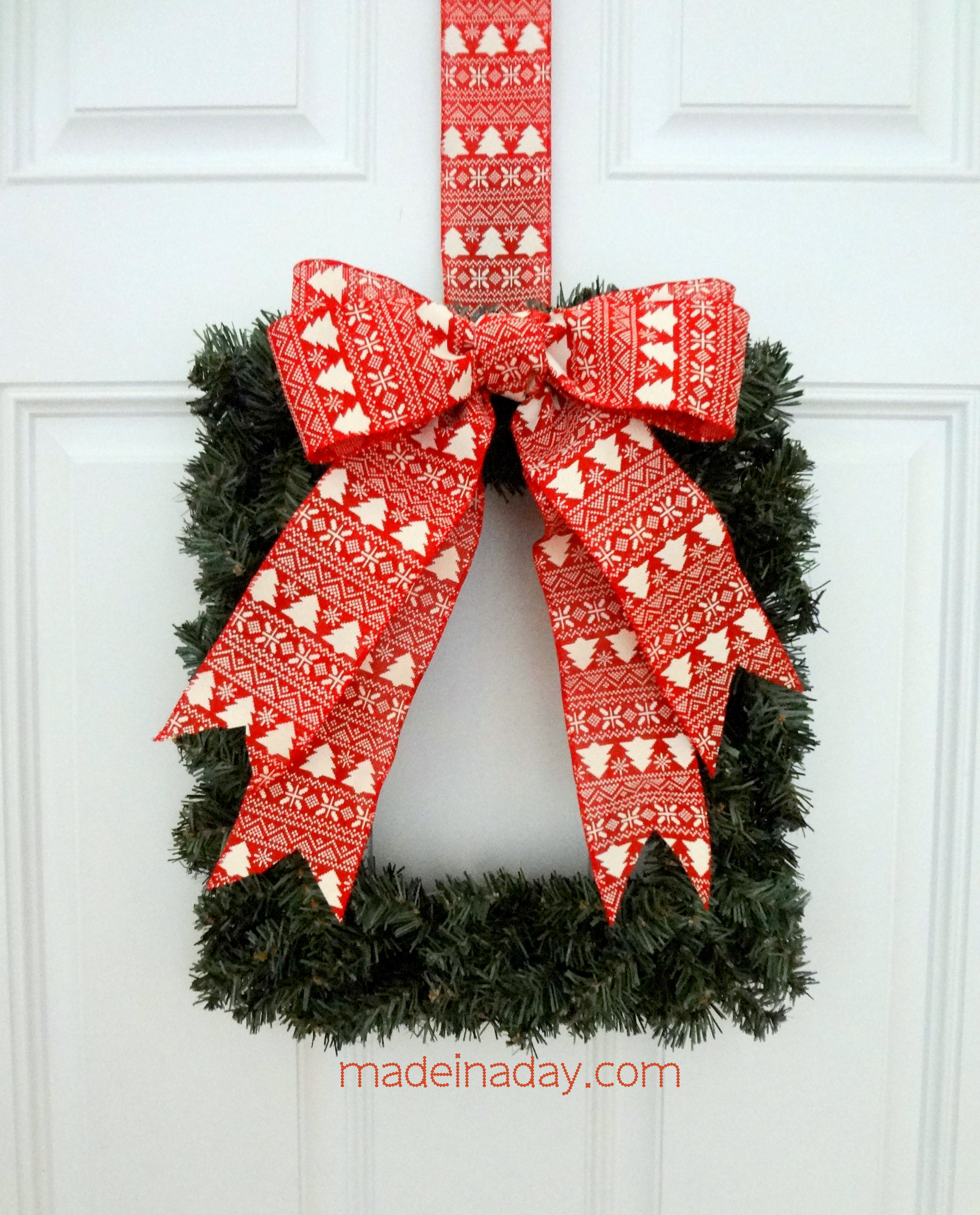 square wreath ornamator bow tutorial - How To Make A Christmas Bow For A Wreath