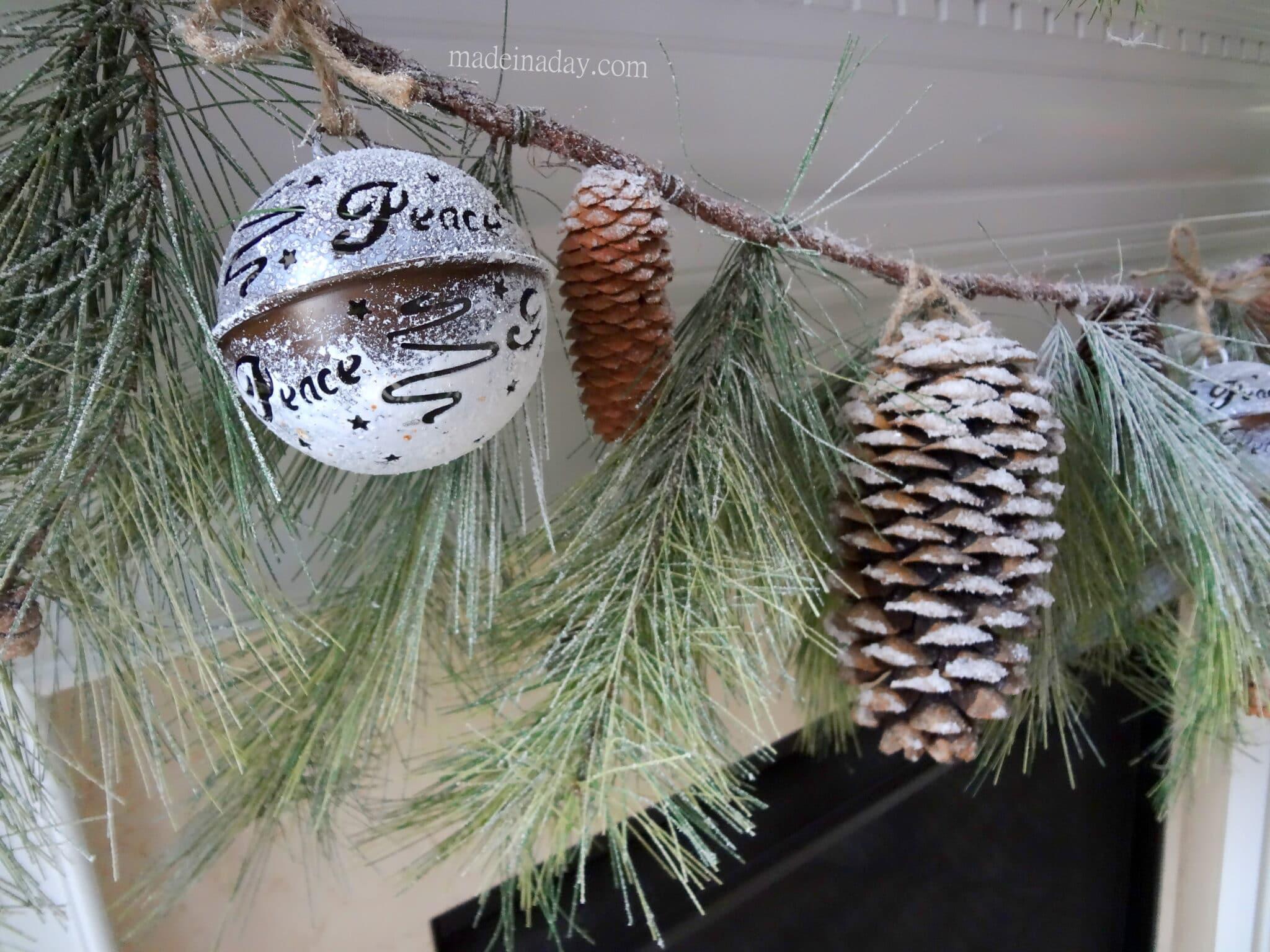 Snow Glitter Pine Cone