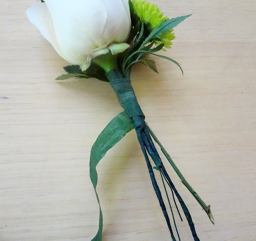 how to wrap a boutonniere, floral tape