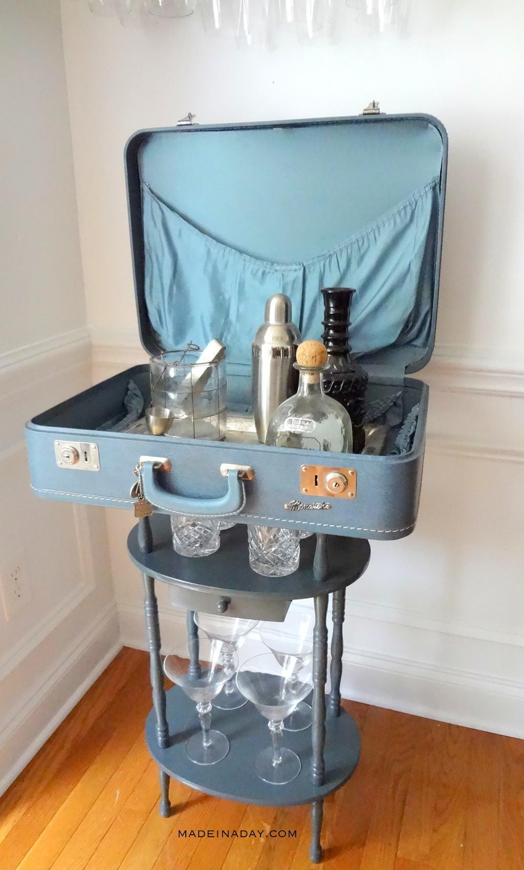 Diy suitcase table - Diy Vintage Suitcase Bar Table Tutorial Madeinaday Com