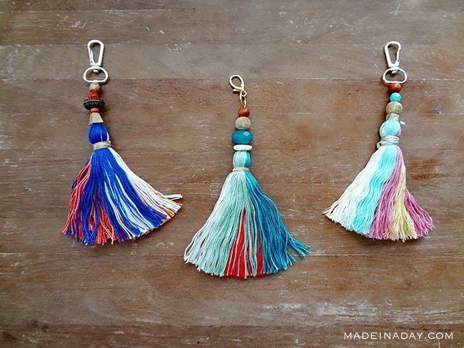 How to make large #tassel key chain to hang on your purse, keys or home decor. Anthro hack easy craft, key #fob, teal tassel, bag charm, embroidery thread tassel, #bagcharm