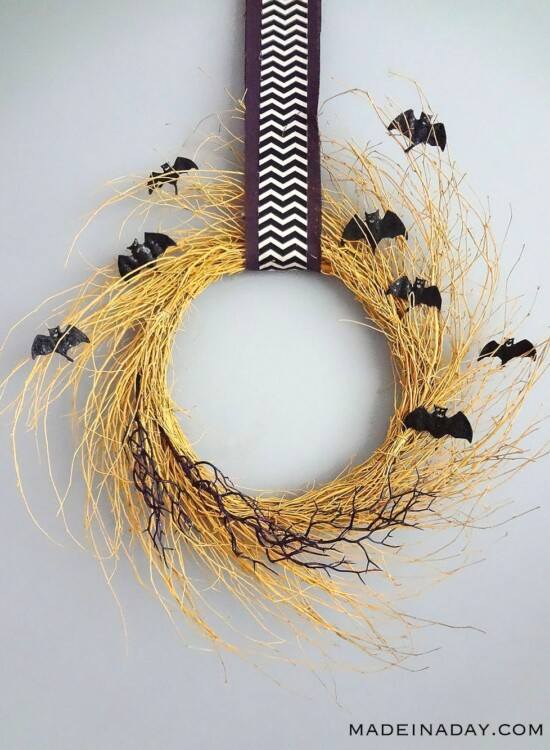 Creepy Bat Golden Halloween Wreath 38
