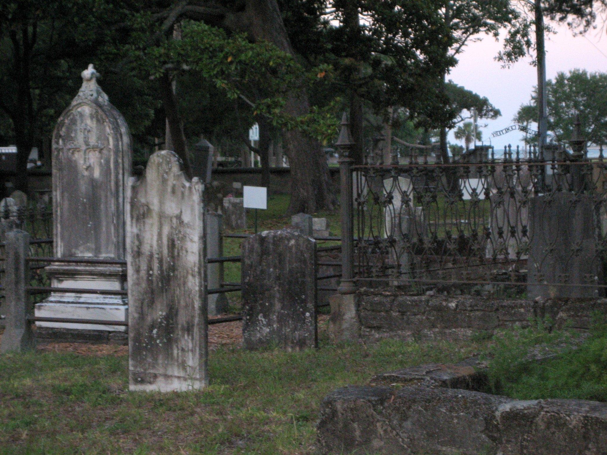 Huguenot Cemetery madeinaday.com