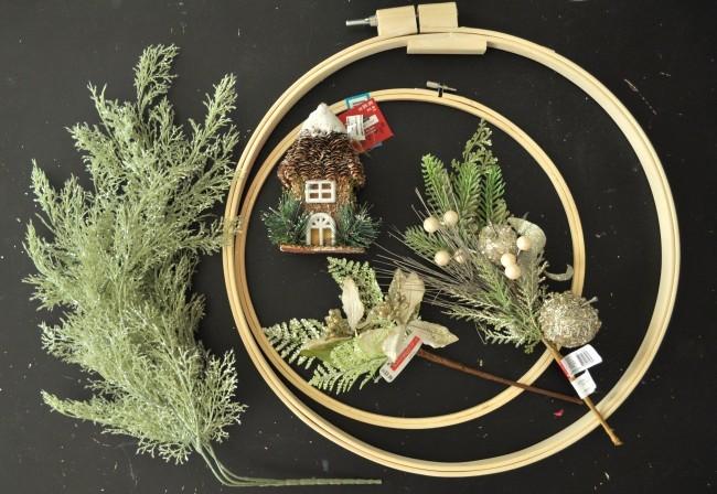Make a embroidery hoop wreath