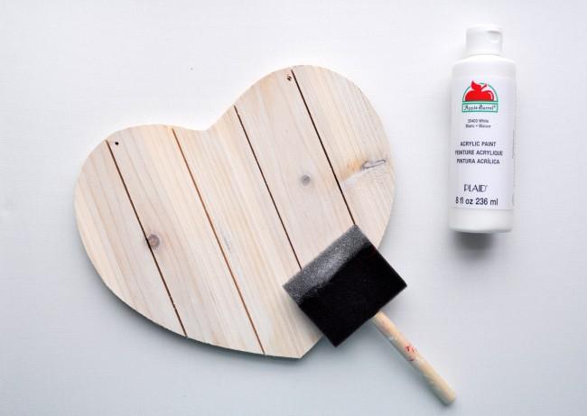 White Wash Paint heart pallet Valentine Craft