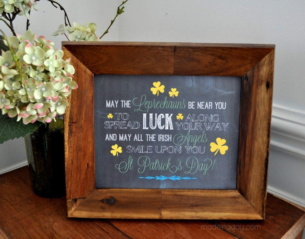 Irish Blessing Chalk Art FREE Printables, 2 Framable Irish Blessings for your St Patrick's Day Parties or Home Decor! #Irish #Irishblessing #printables #free #chalkart #wallart