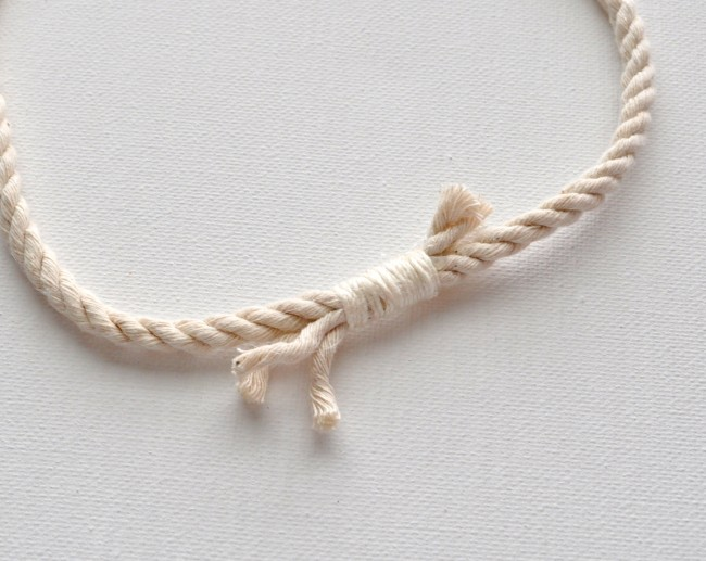 Rope tied clasp