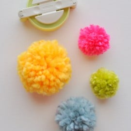 Clover Pom Pom Maker Tutorial made easy madeinaday.com