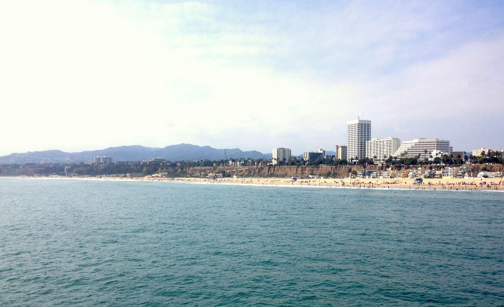 Santa Monica Beach madeinaday.com