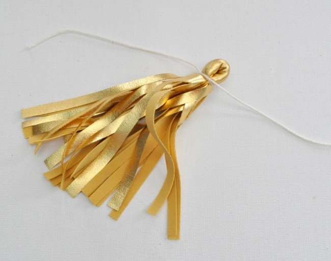 easy way to make a tassel