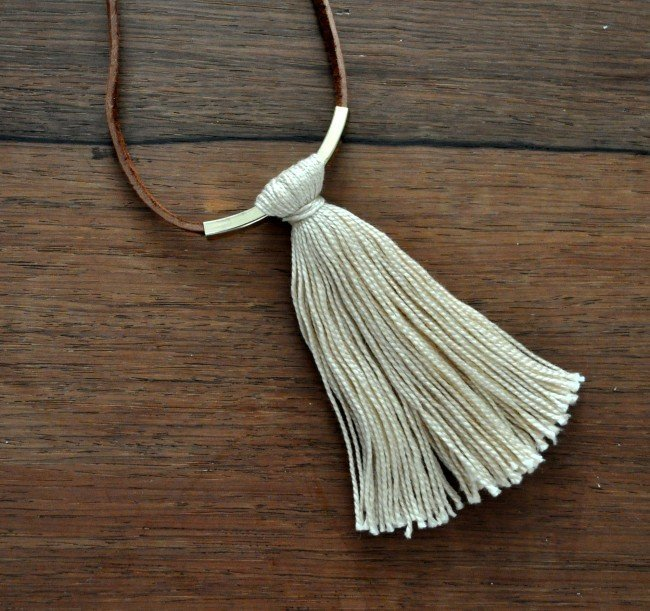 Cream Tassel Bar Necklace tutorial madeinaday.com