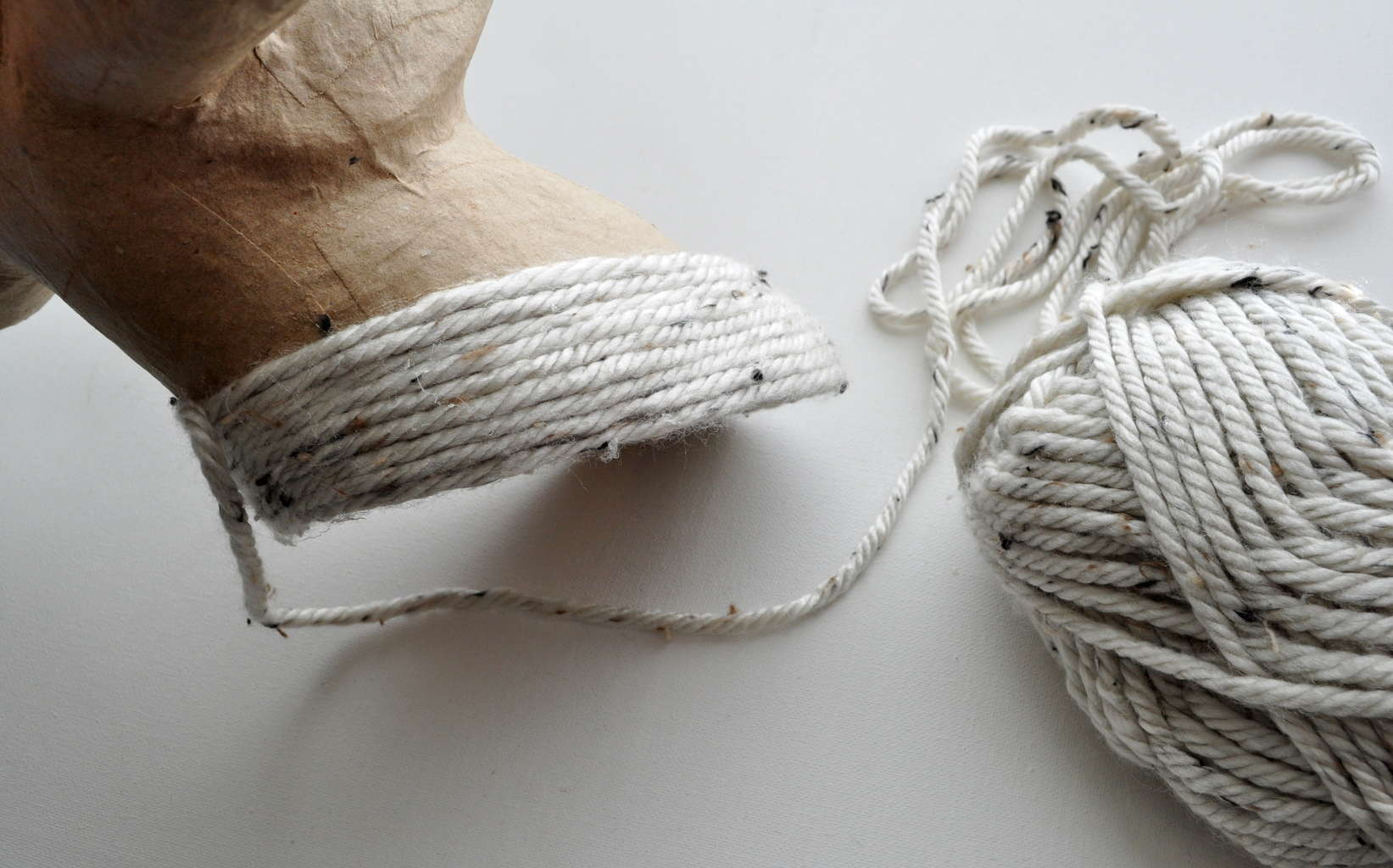 Work up the yarn in rows