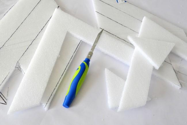 Cut foam with styrocutter