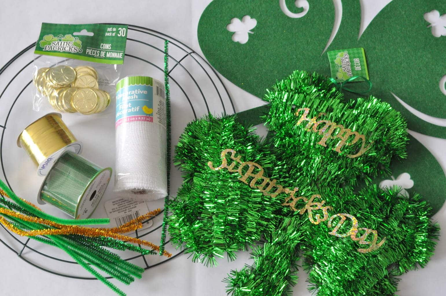 st patricks day dollar store mesh wreath made in a day. Black Bedroom Furniture Sets. Home Design Ideas