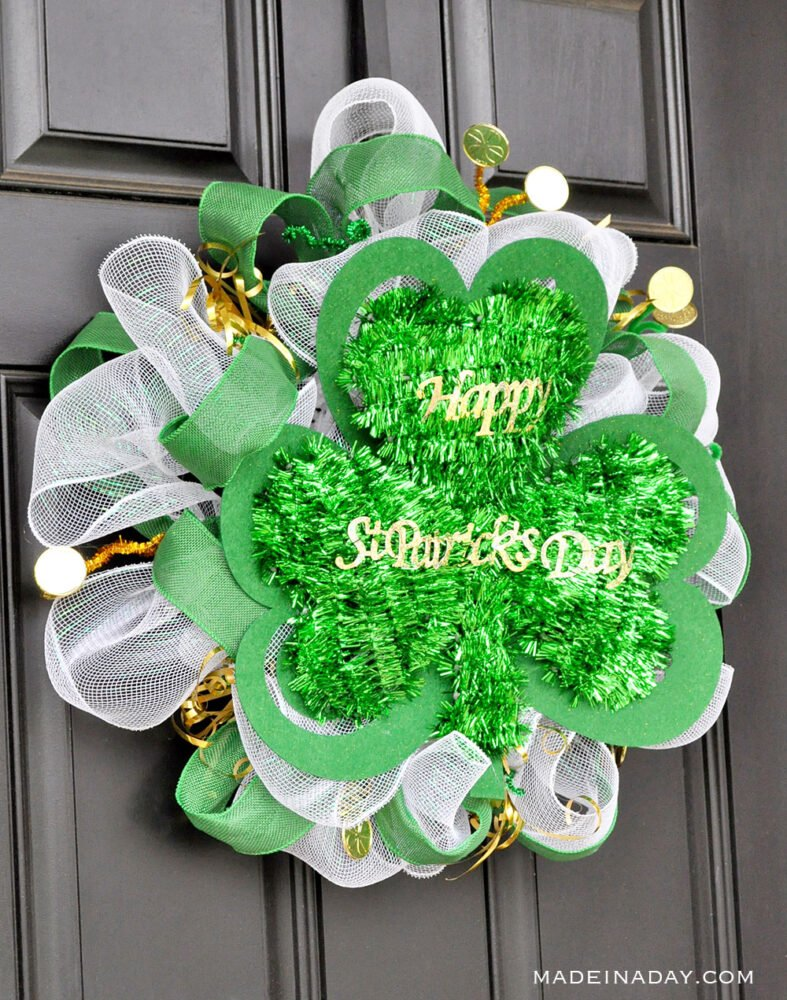 St Pattys Day Mesh Wreath, Shamrock wreath, green mesh wreath, how to make a mesh wreath