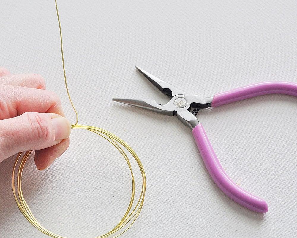 making wire bracelets