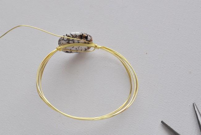 make a wire bracelet
