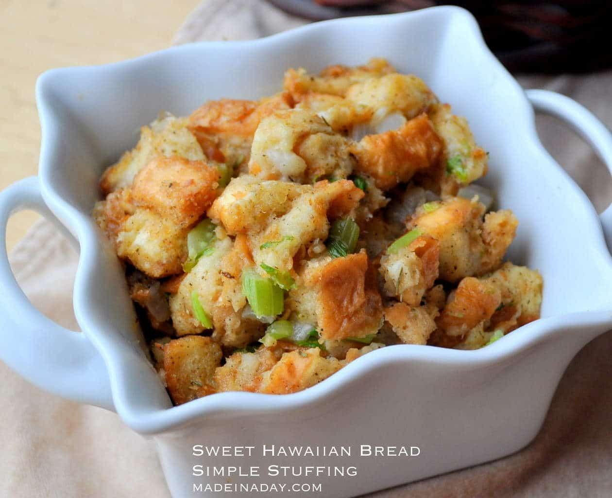 Easy Kings Hawaiian Bread Stuffing madeinaday.com