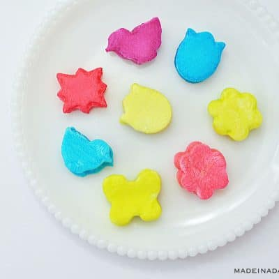 How to Dip Dye Marshmallows with Food Coloring